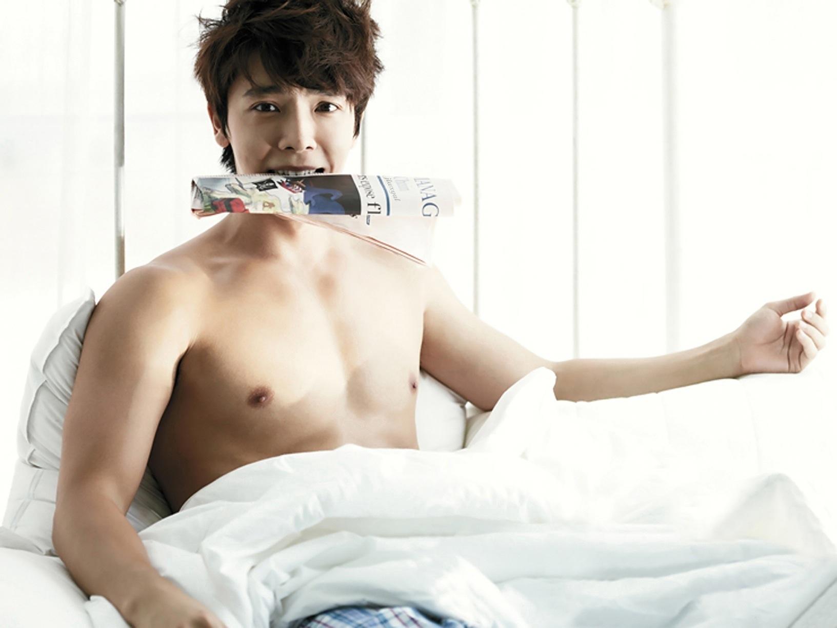 ผลการค้นหารูปภาพสำหรับ super junior donghae mag